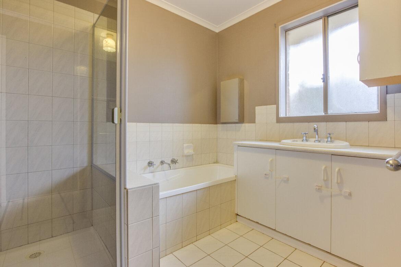ad3300a7 3227 4509 a795 e618ad1950ce - Property